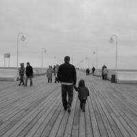 1123144_walk_on_pier.jpg