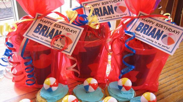 Sumer Birthday Party Favors and Cupckes.jpg