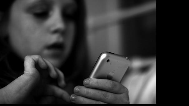 child-phone-media.jpg