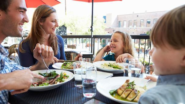 10 Ways Restaurants Can Better Serve Pas With Kids