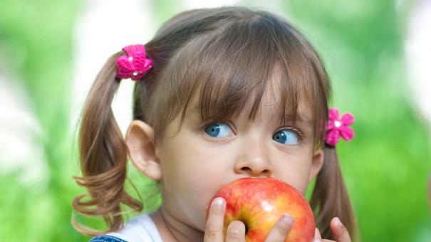 kid-eating-5127608-small.jpg