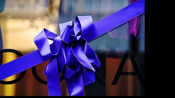 ribbon gift.jpg