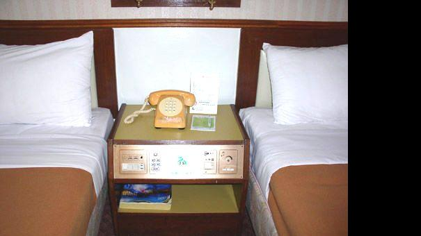 twin beds.jpg