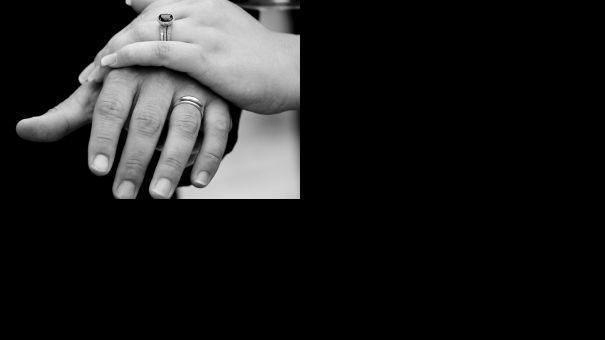 1076533_wedding_rings_2.jpg